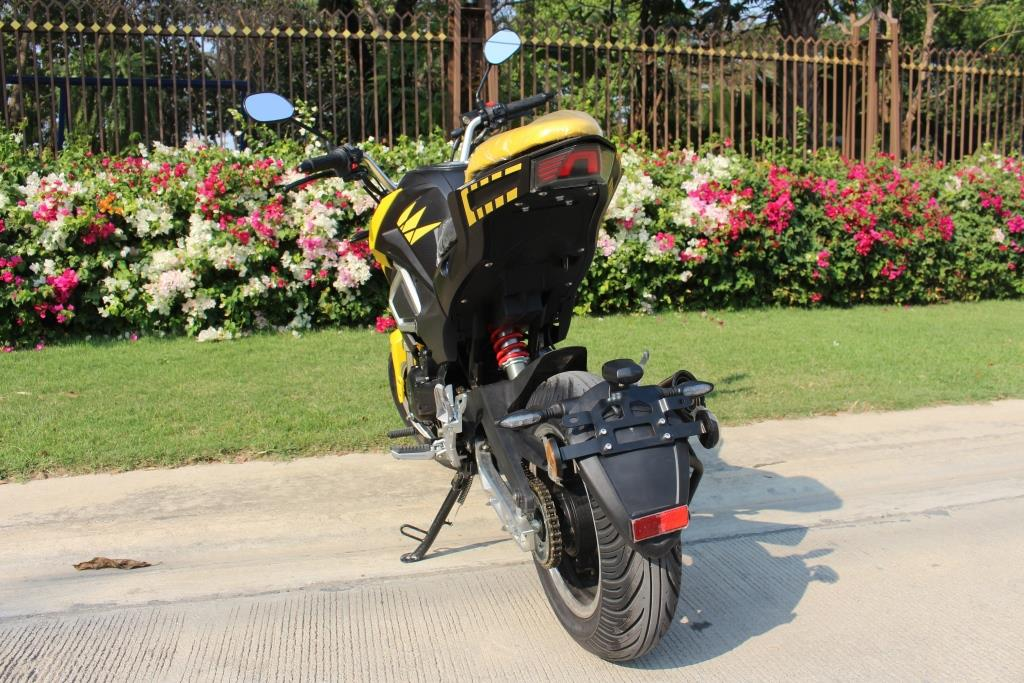 GARMO 200 ซีซี มอเตอร์ไซค์ สปอร์ต เติมน้ำมัน E85 ได้ 140 กม./ชม. 8 ลิตร 250 กม.