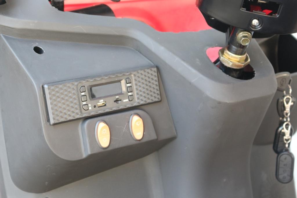 JEEPPO-สามล้อไฟฟ้า-3-ล้อ-2-ที่นั่ง-แบบมีหลังคา-500-วัตต์-เบาะหลังนั่งได้-2-คน-ทรงคล้ายรถกอล์ฟ