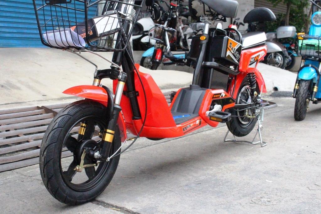 TATA X จักรยานไฟฟ้า 350 วัตต์ 25 กม./ชม. คันใหญ่กำลังดี แบตลิเที่ยมเบา 1 กก. ถอดออกมาชาร์จได้ ไฟใหญ่เพิ่มการส่องสว่าง