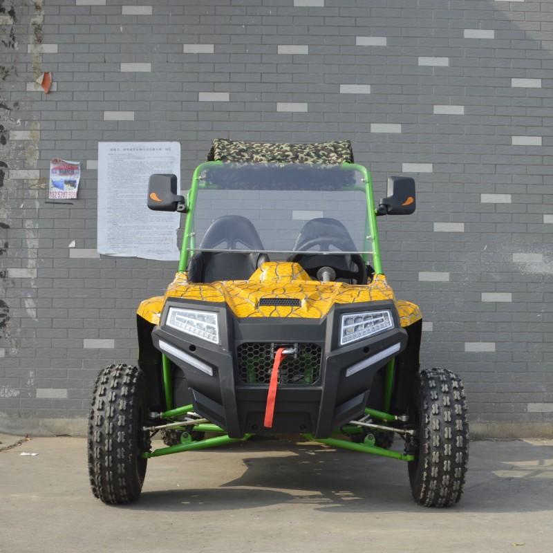 UTV ยูทีวี รถวิบาก 4 ล้อ 80 กม./ชม. เครื่อง 300 ซีซี เบนซินเต็มถัง 9 ลิตร วิ่งไกล 200 กม.