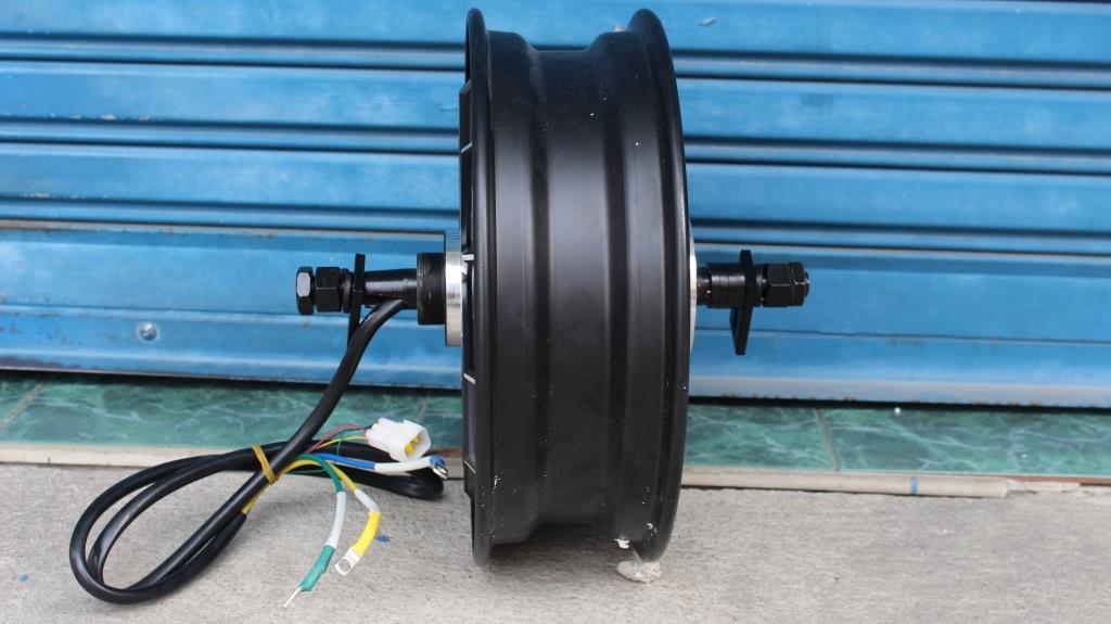 ล้อขอบ 12 นิ้ว มอเตอร์ 2,000 W 72V สำหรับมอเตอร์ไซค์ไฟฟ้า 80 กม./ชม.