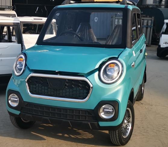 NEMO รถเก๋งเล็กไฟฟ้า 4 ที่นั่ง 50 กม./ชม. 100-120 กม./ชาร์จ