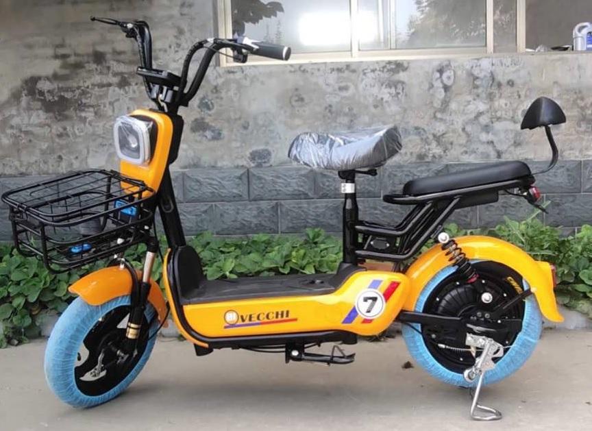 NONGLEK-i ไฟเหลี่ยม จักรยานไฟฟ้าสกู๊ตเตอร์ 350 วัตต์ 25 กม./ชม. 40 กม./ชาร์จ มีขาปั่น