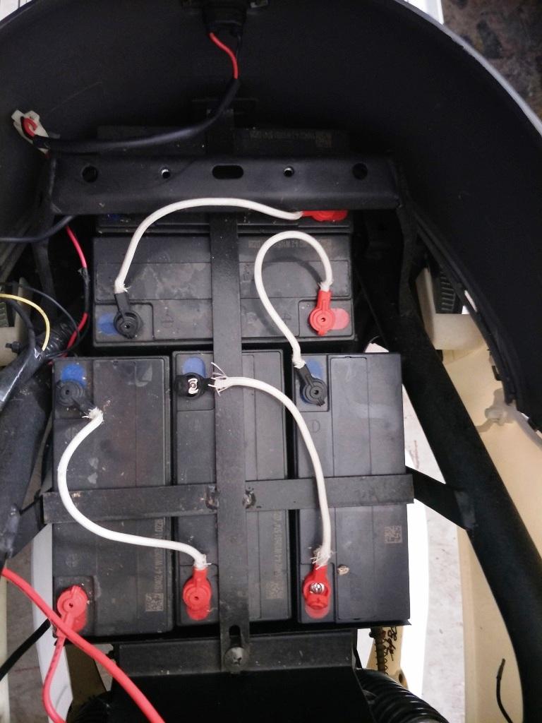 แบตเตอร์รี่ ตะกั่ว LEAD ACID 48V20A ชุด 4 ลูก สำหรับ มอเตอร์ไซค์ไฟฟ้า 3 ล้อ