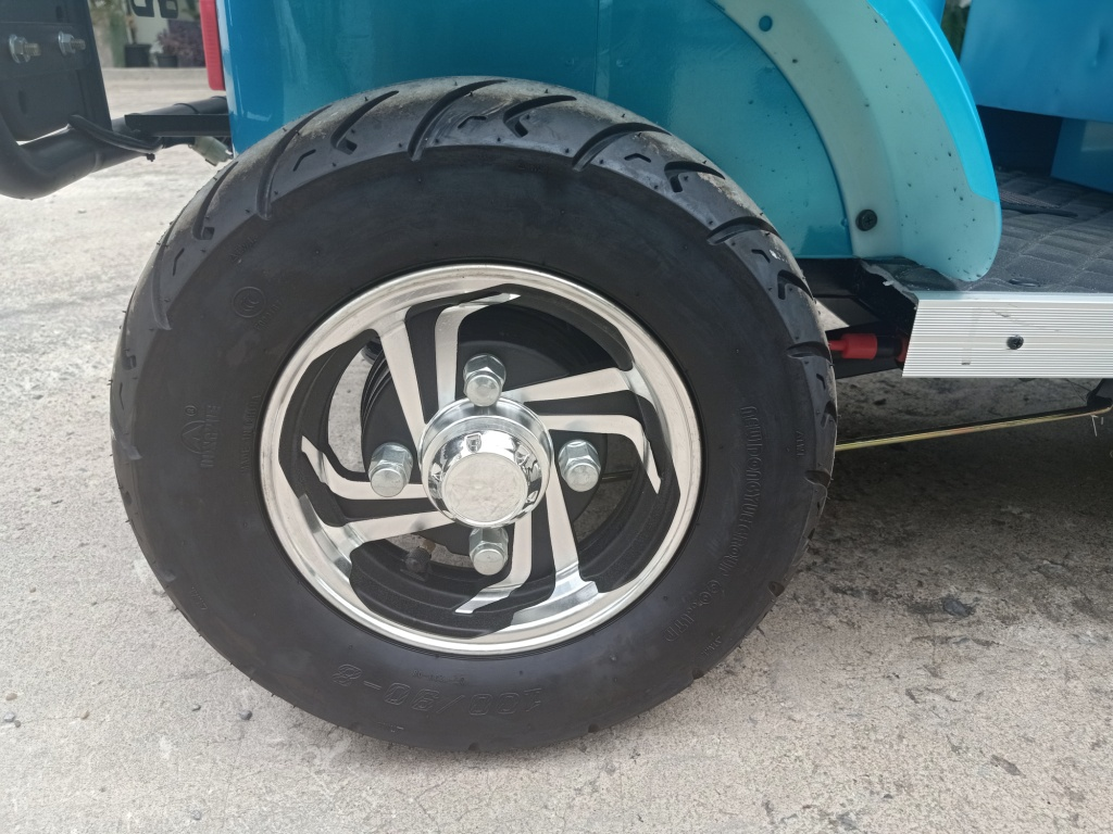 VITO-i รถกอล์ฟไฟฟ้าเล็ก 4 ล้อ 3 ที่นั่ง 500 วัตต์ 25 กม./ชม. 30-40 กม./ชาร์จ