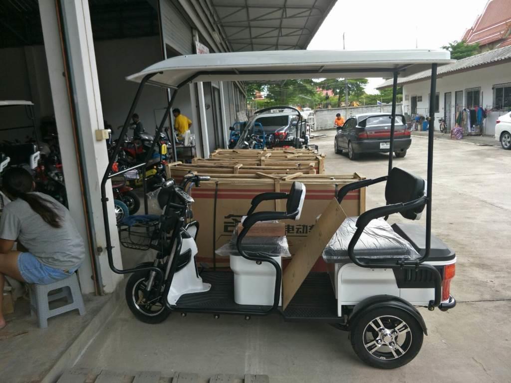 BOBO-X สกู๊ตเตอร์ไฟฟ้าสามล้อ 3 ที่นั่ง แบบมีหลังคา 500 วัตต์ เบาะหลังนั่งใหญ่พิเศษได้ 2 คน ทรงคล้ายรถกอล์ฟ