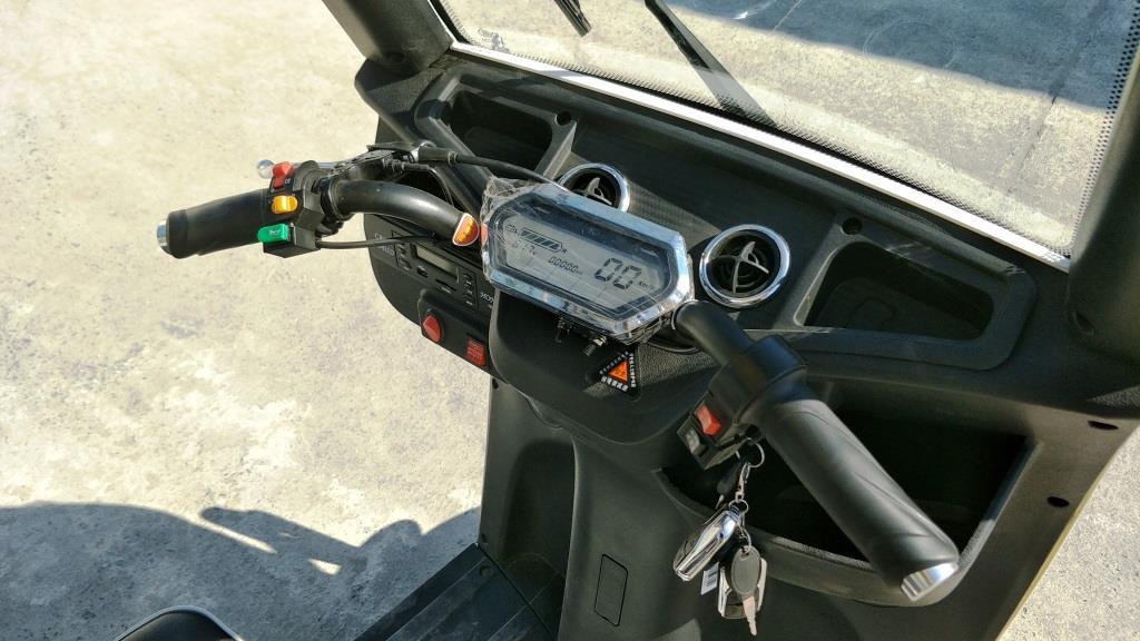 JEEPER มอเตอร์ไซค์ไฟฟ้า 3 ล้อ 2 ที่นั่ง แบบมีหลังคา 500 วัตต์ เบาะหลังนั่งได้ 2 คน ทรงคล้ายรถกอล์ฟ