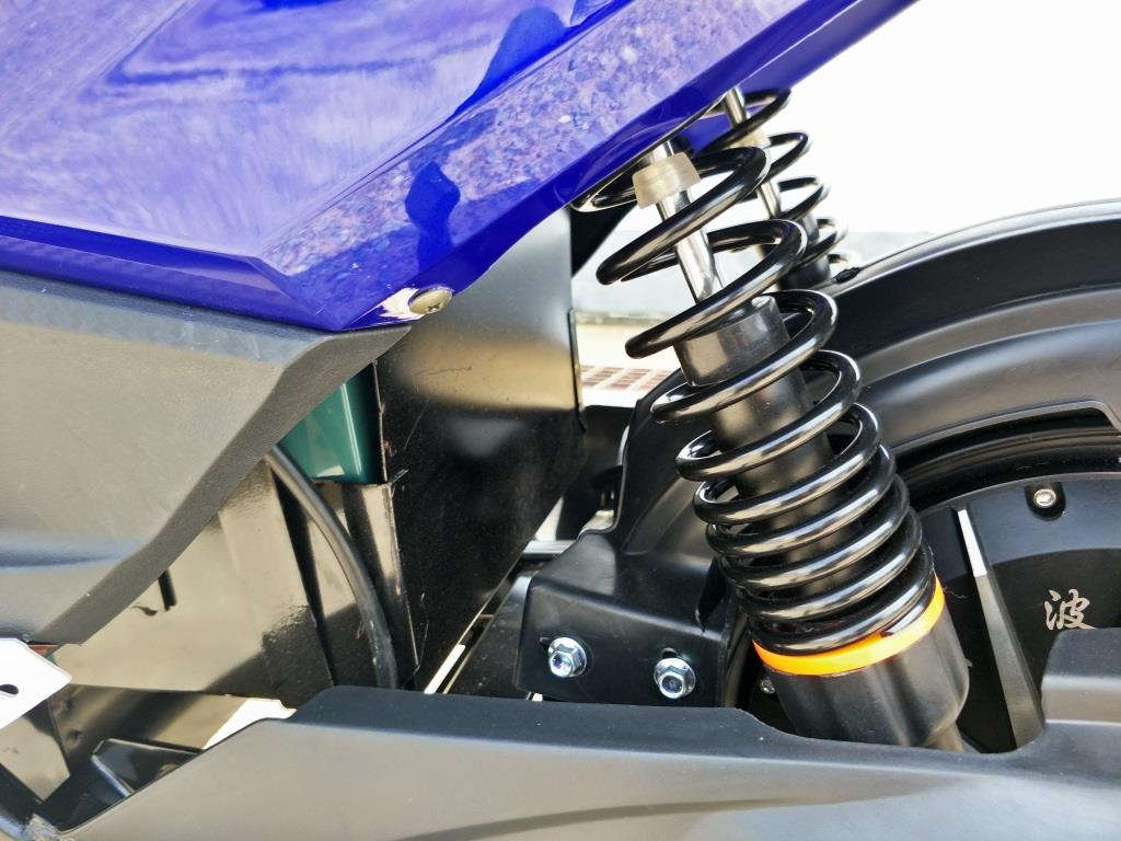 NOVA มอเตอร์ไซค์ไฟฟ้า ทรงเท่ห์ๆ 1,500 วัตต์ 70 กม./ชม. 50-60 กม./ชาร์จ
