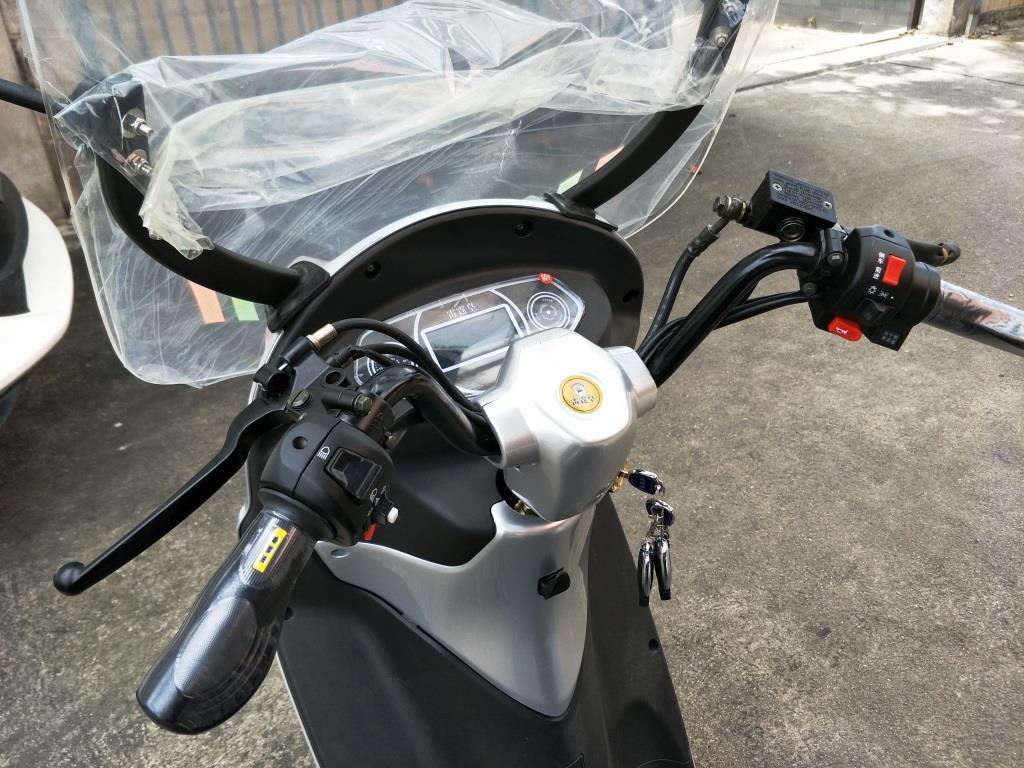 POPPY มอเตอร์ไซค์ไฟฟ้า 3 ล้อ 1 ที่นั่ง แบบมีหลังคา 30 กม./ชม. 40 กม./ชาร์จ