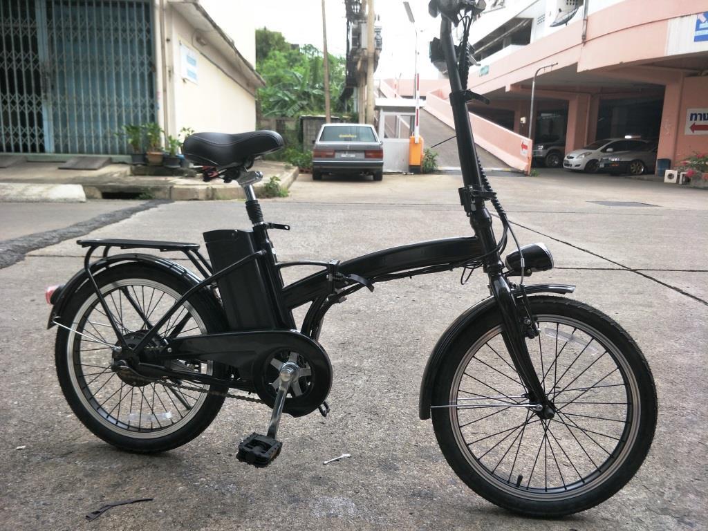 ZIPPY จักรยานไฟฟ้าพับได้ 250 วัตต์ สีขาว ความเร็ว 25 กม./ชม. วิ่งไกล 30 กม./ชาร์จ