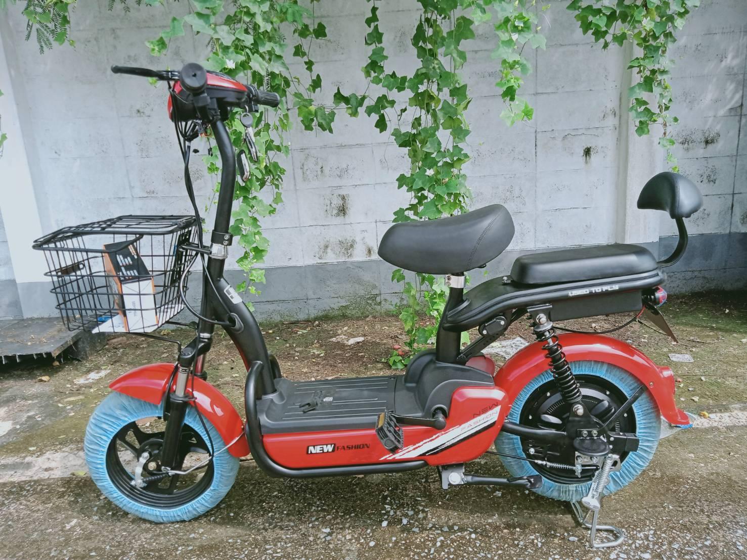 NONGLEK-i จักรยานไฟฟ้าสกู๊ตเตอร์ 350 วัตต์ 30 กม./ชม. 40 กม./ชาร์จ มีขาปั่น