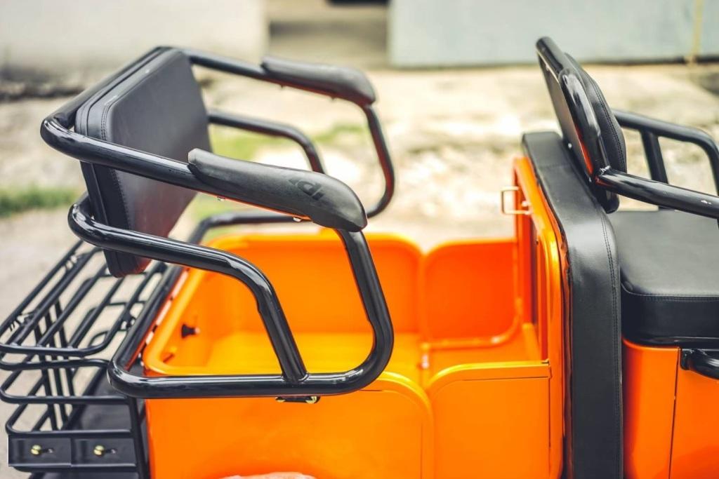 HOBO-X สกู๊ตเตอร์สามล้อไฟฟ้า 500 วัตต์ 2 ที่นั่ง เบาะหลังพับเปลี่ยน เป็นกะบะ บรรทุกของได้ สีน้ำเงิน 25 กม./ชม. 40 กม./ชาร์จ