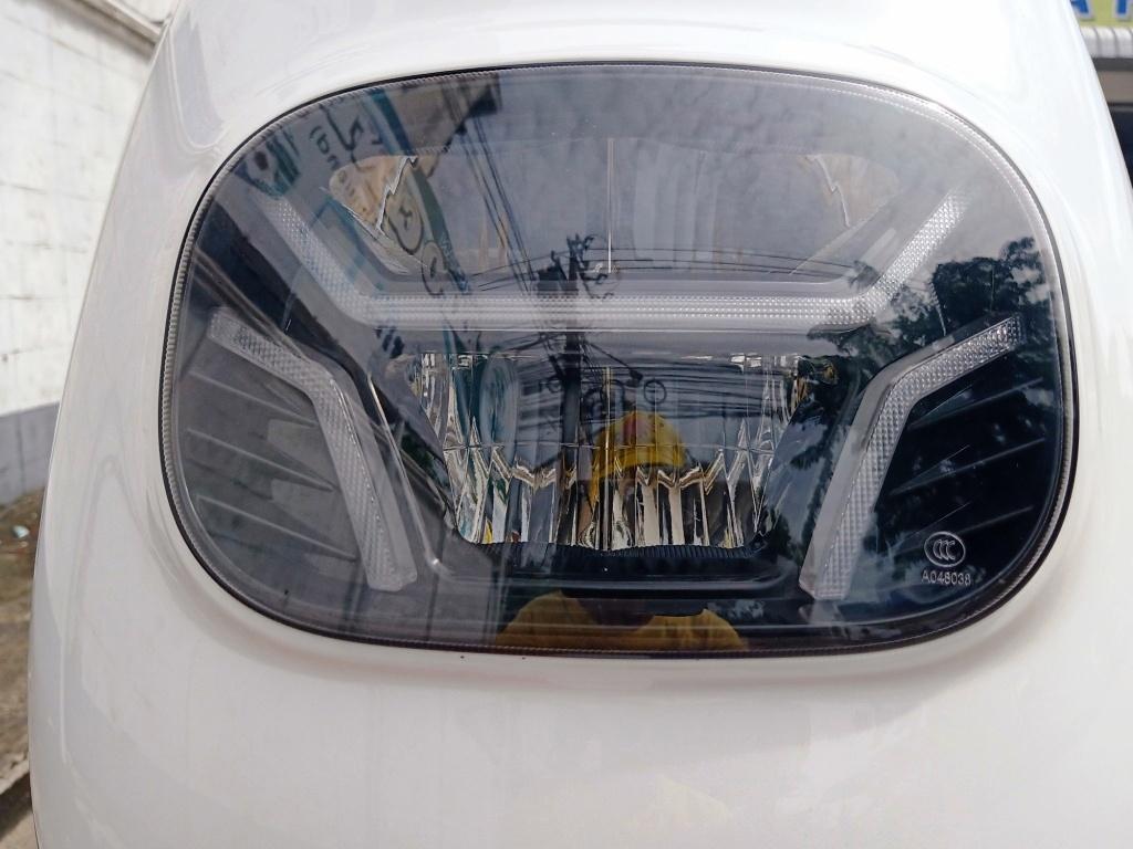 CUBE-i มอเตอร์ไซค์ไฟฟ้า 800 วัตต์ 50 กม./ชม 60 กม./ชาร์จ